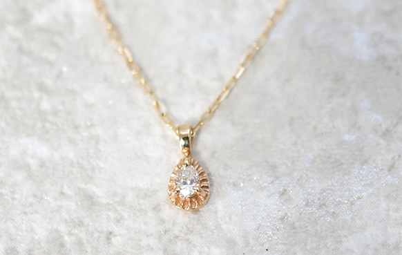 一粒ダイヤのネックレス