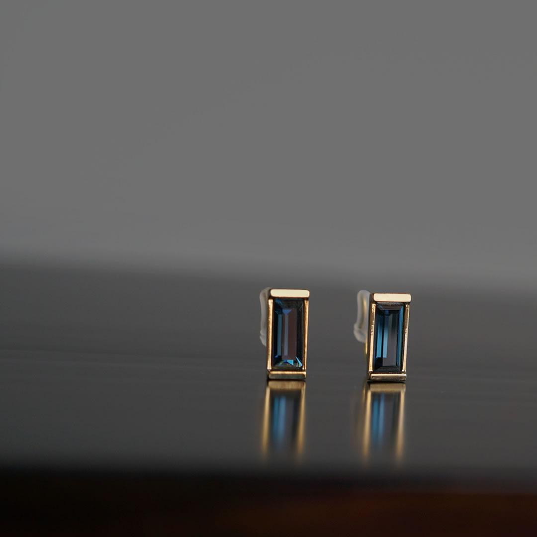 Blue Noble ブルースワロノンホールピアス